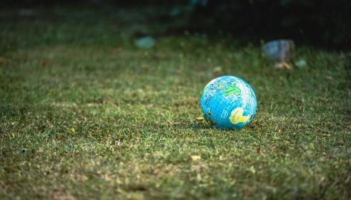 Sauver le monde, est-ce rentable?